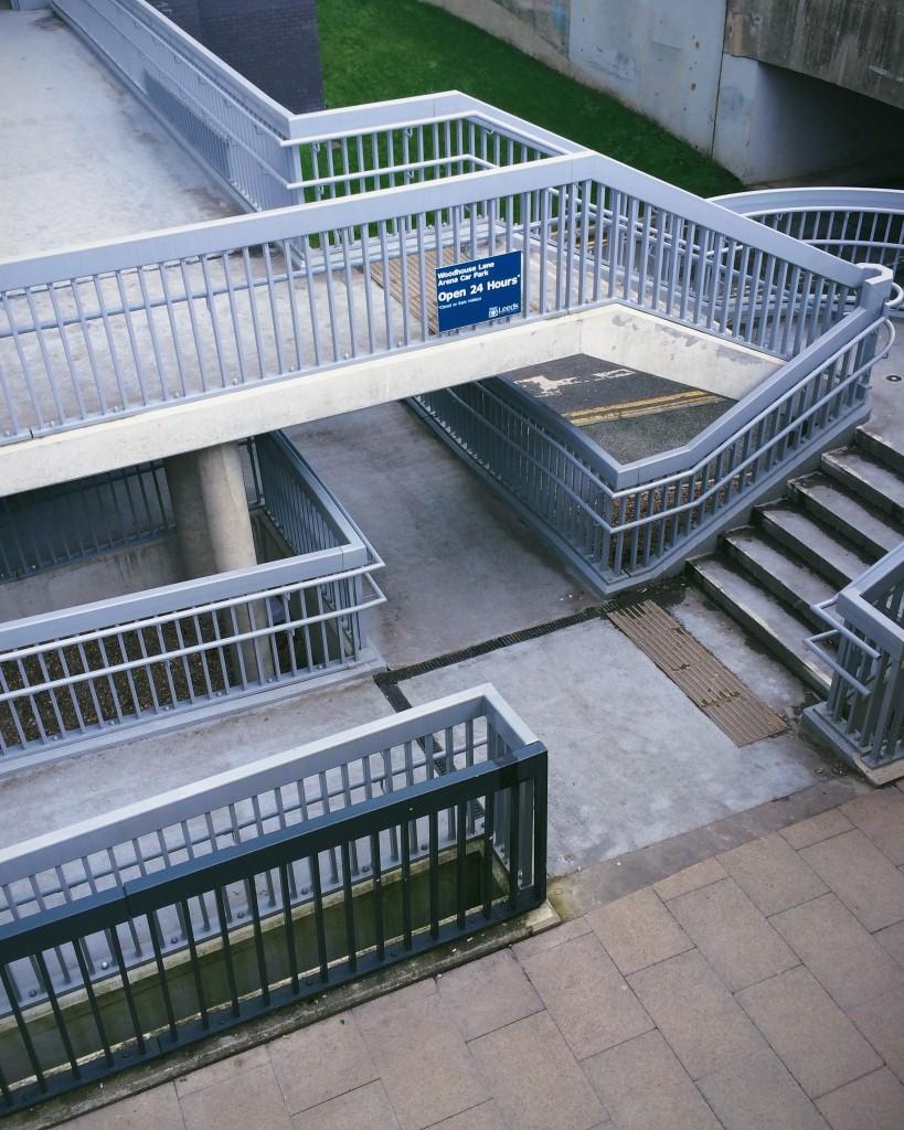 Subway footpath junction