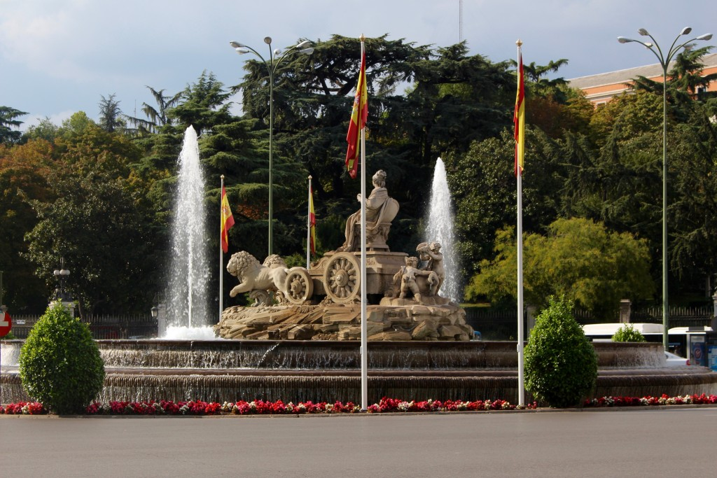 Real Madrid fans celebrate in this fountain