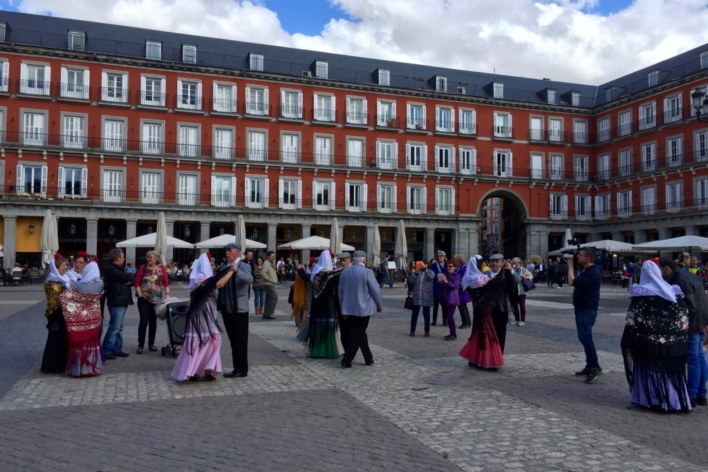 Dancing in Plaza Mayor