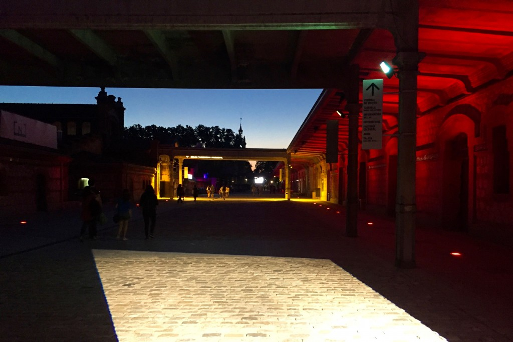 Matadero by night