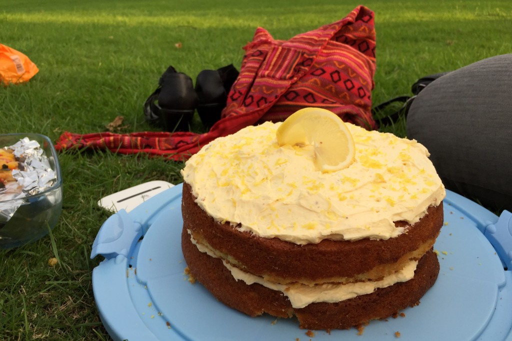Lemon cake and chills