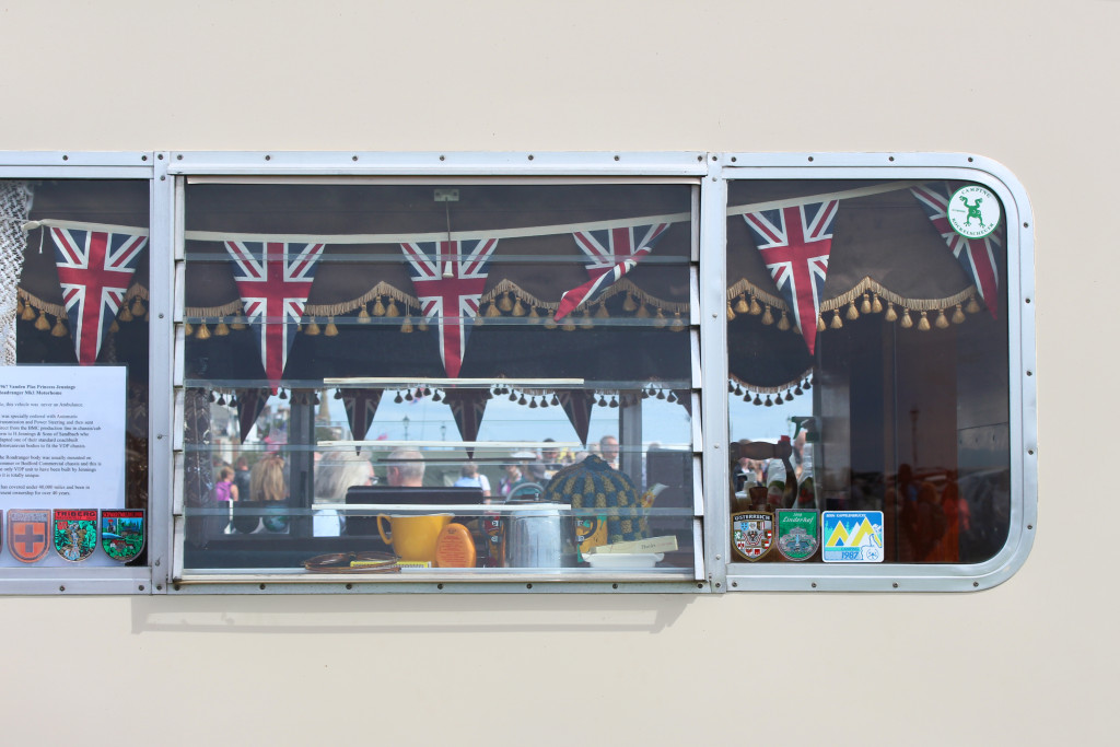 The British bunting was our first clue