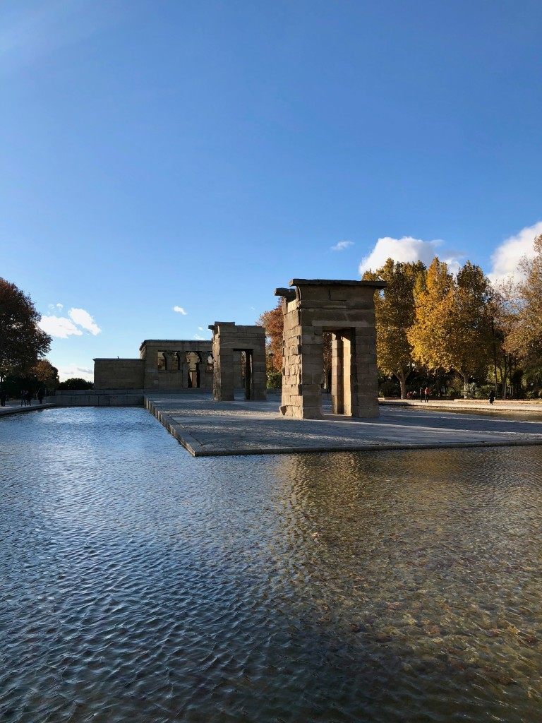 A very cold Templo de Debod