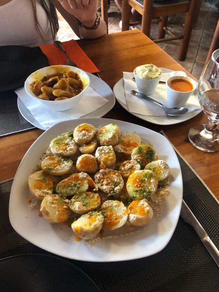 A plate of patatas arrugadas.