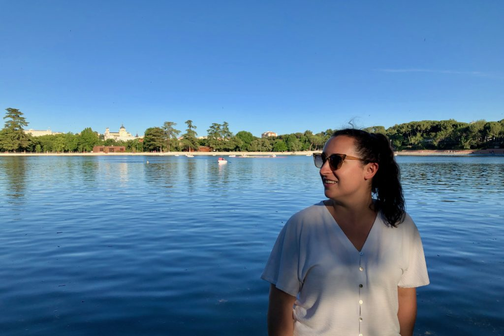 Megan stands by the lake in Casa de Campo.