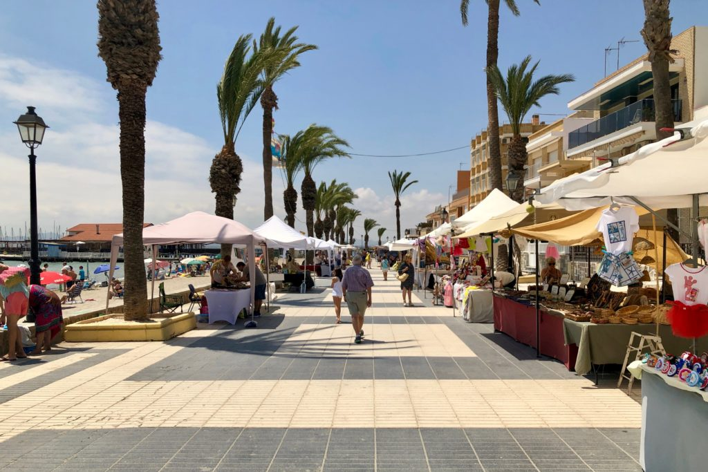 A street market on the coast in Murcia.