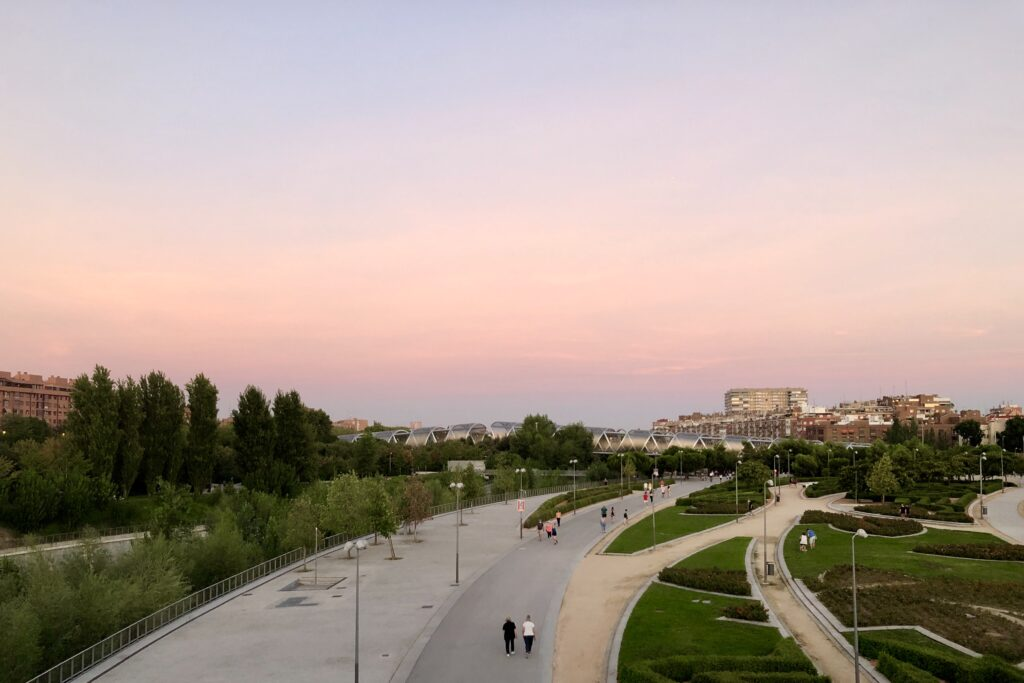 A pink sunset over the Madrid River.